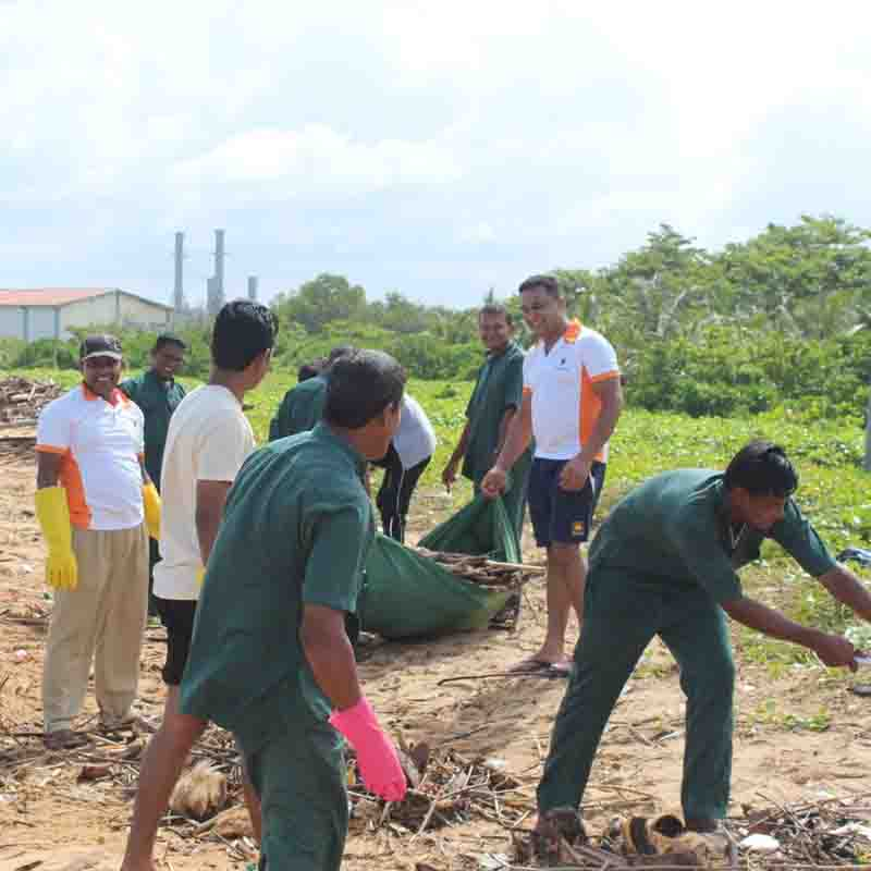 Beach Clean Up at Pegasus Reef